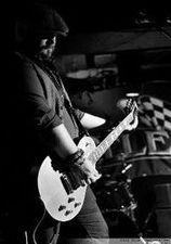 Damo Fawsett - Guitar